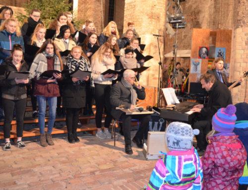 Unser Chor beim Adventsmarkt