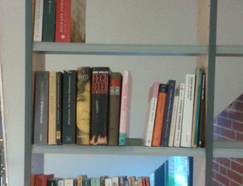 Büchertauschregal